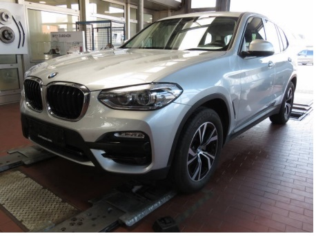 BMW X3 20d 190cv steptronic e6 ss x-drive advantage ( clima bizona - fari led - pdc ) km 46000